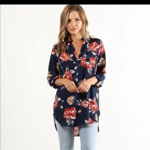 Floral boutique top nwt